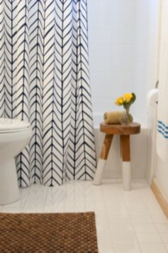 Affordable shower curtains ideas for small apartments 43