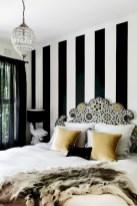 Amazing black and white bedroom ideas (23)