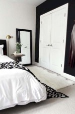 Amazing black and white bedroom ideas (36)