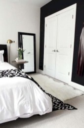 Amazing black and white bedroom ideas (36)