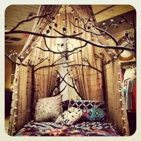Amazing bohemian bedroom decor ideas 12