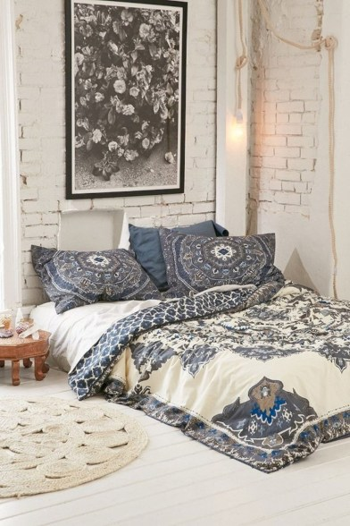 Amazing bohemian bedroom decor ideas 13
