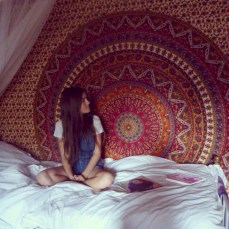 Amazing bohemian bedroom decor ideas 23