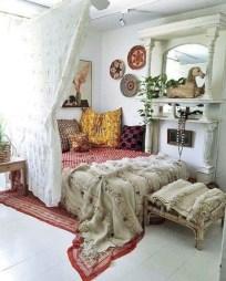 Amazing bohemian bedroom decor ideas 32