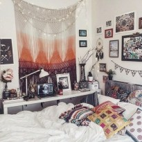 Amazing bohemian bedroom decor ideas 53