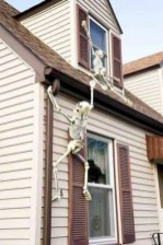 Amazing halloween window decoration ideas 10