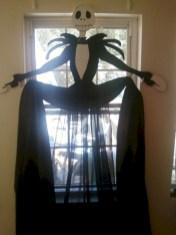 Amazing halloween window decoration ideas 20