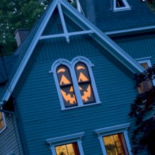 Amazing halloween window decoration ideas 26