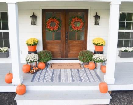 Amazing halloween window decoration ideas 28