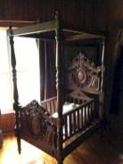 Antique and unique bedroom decorating ideas 14