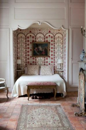 Antique and unique bedroom decorating ideas 16