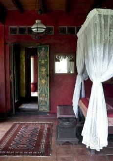 Antique and unique bedroom decorating ideas 29