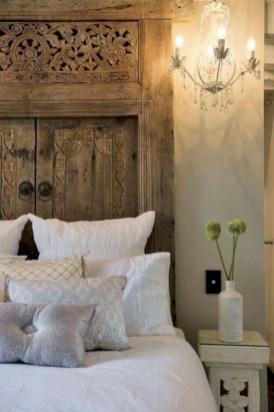 Antique and unique bedroom decorating ideas 32