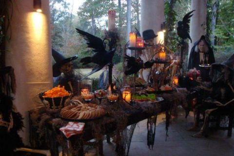 Awesome halloween indoor decoration ideas 33 33