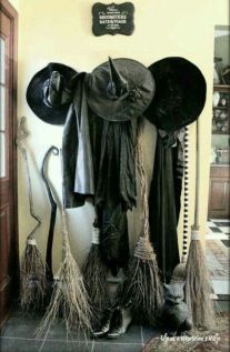 Awesome halloween indoor decoration ideas 36 36