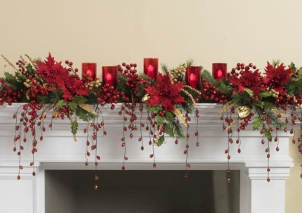 Beautiful christmas decoration ideas in red domination 14