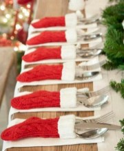 Beautiful christmas decoration ideas in red domination 16