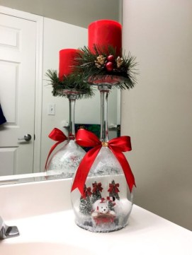 Beautiful christmas decoration ideas in red domination 30