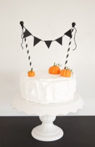 Beautiful ideas for elegant black and white halloween 32
