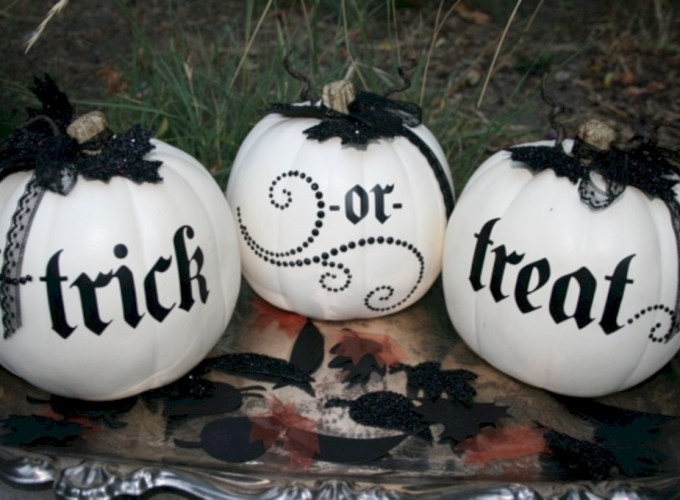 Beautiful ideas for elegant black and white halloween 52