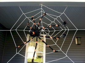 Creative diy halloween decorations using spider web 01