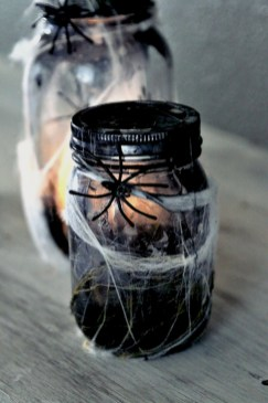 Creative diy halloween decorations using spider web 05
