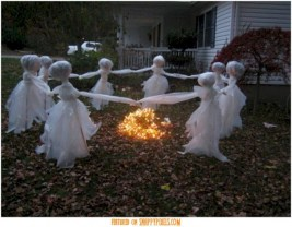 Creative diy halloween outdoor decoration ideas 04
