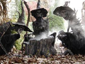 Creative diy halloween outdoor decoration ideas 05