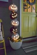 Creative diy halloween outdoor decoration ideas 09