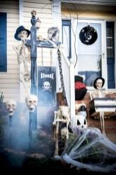 Creative diy halloween outdoor decoration ideas 20