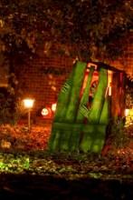 Creative diy halloween outdoor decoration ideas 30