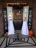 Creative diy halloween outdoor decoration ideas 39