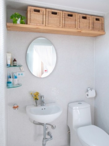 Creative storage bathroom ideas for space saving (26)
