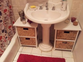 Creative storage bathroom ideas for space saving (43)