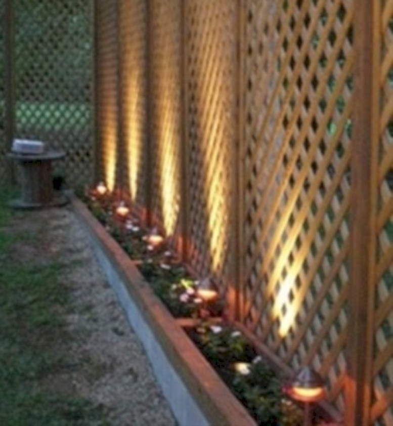 Diy backyard privacy fence ideas on a budget (39)
