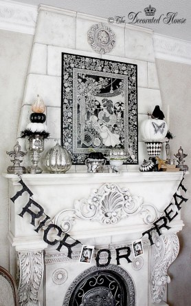 Elegant halloween living room decoration ideas 12