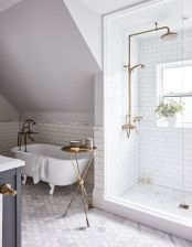 Farmhouse bathroom ideas for small space (1)
