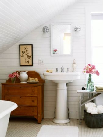 Farmhouse bathroom ideas for small space (25)