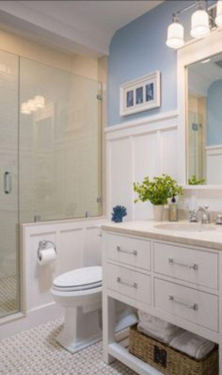 Farmhouse bathroom ideas for small space (47)