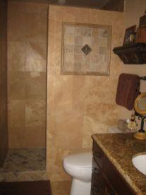 Farmhouse bathroom ideas for small space (49)