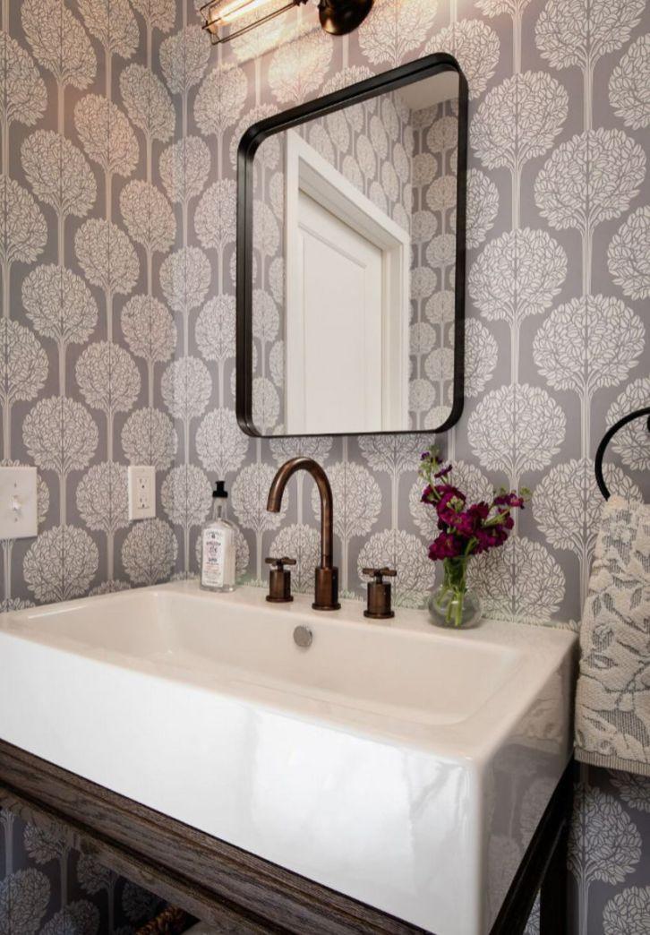 Farmhouse bathroom ideas for small space (55)