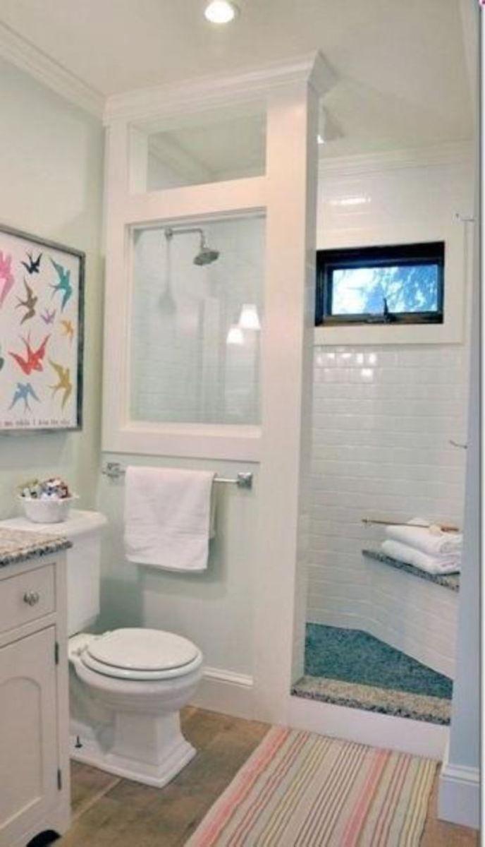 Farmhouse bathroom ideas for small space (7)