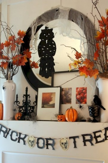 Great halloween mantel decorating ideas 21