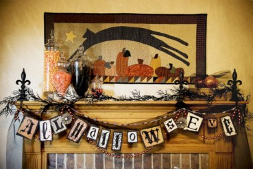 Great halloween mantel decorating ideas 22