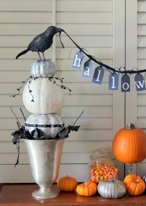 Great halloween mantel decorating ideas 32