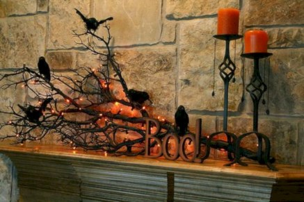 Great halloween mantel decorating ideas 40