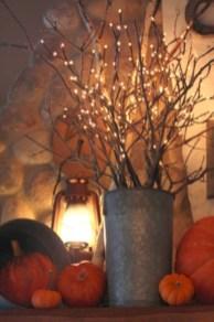 Great halloween mantel decorating ideas 41