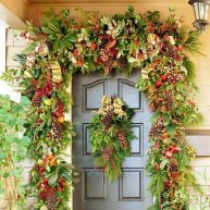 Ideas how to make comfortable rustic outdoor christmas décoration 12