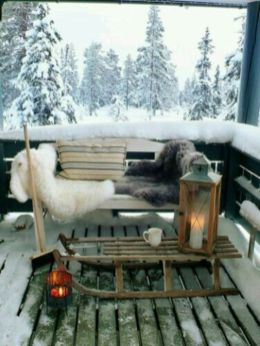 Ideas how to make comfortable rustic outdoor christmas décoration 20