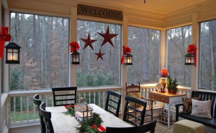Ideas how to make comfortable rustic outdoor christmas décoration 35